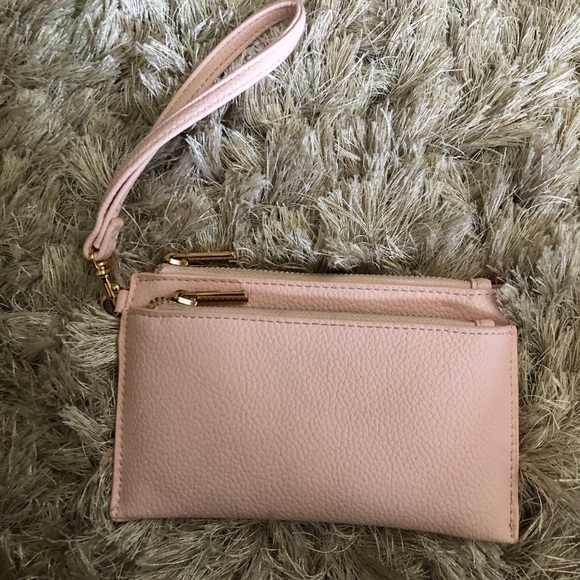 Target Handbags - Barely used wallet